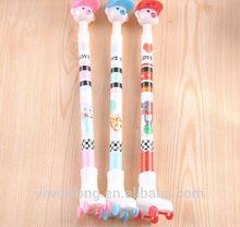 China alibaba 0.7mm popular ballpoint pen with roller skating design