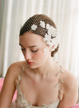 2014 Wholesale inspired white flower beaded mesh veil wedding headpiece/ bridal headwear/bridal accessories