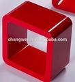 red cubo de madeira para decoração