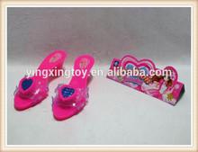 De las muchachas de la belleza plástica conjunto de juguete zapatos de tacón alto
