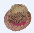 hecho de papel sombrero para el sol en la venta