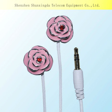 SXD mp3 mp4 skull earphone as Xmas gift with low price from manufacture