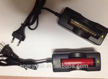 High quality 18650 battery charger eu / us plug single slot charger 4.2v whole sale
