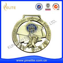 materiale metallico e pewte tipo medaglia