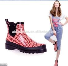 Ankle fashion ladies 's colourful garden shoes /rubber clog /rain boots