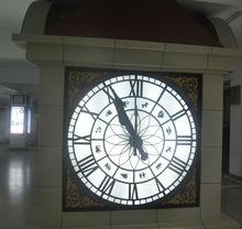 three hands/needles tower clock