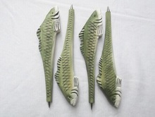 2014 new fashion wood animal fish carven pen