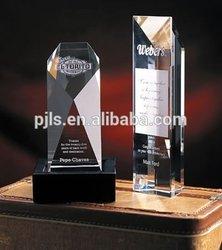 Fashion high quality diamond-cut crystal award trophy with black base