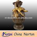Brass señora estatua con la flor olla ntbh- s068