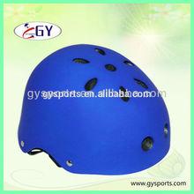 Blue skating helmet with EPS inner