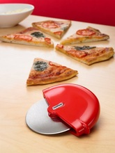 round plastic disposable pizza cutter