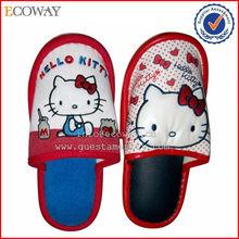 new design wholesale personalized fashion hotel slipper with customized logo