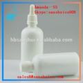 Blanco pipeta de vidrio uso para esencial botella de aceite y botella médica
