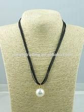 2014 new fashion design, wholesale Pearl Leather cord Pearl pendant necklace