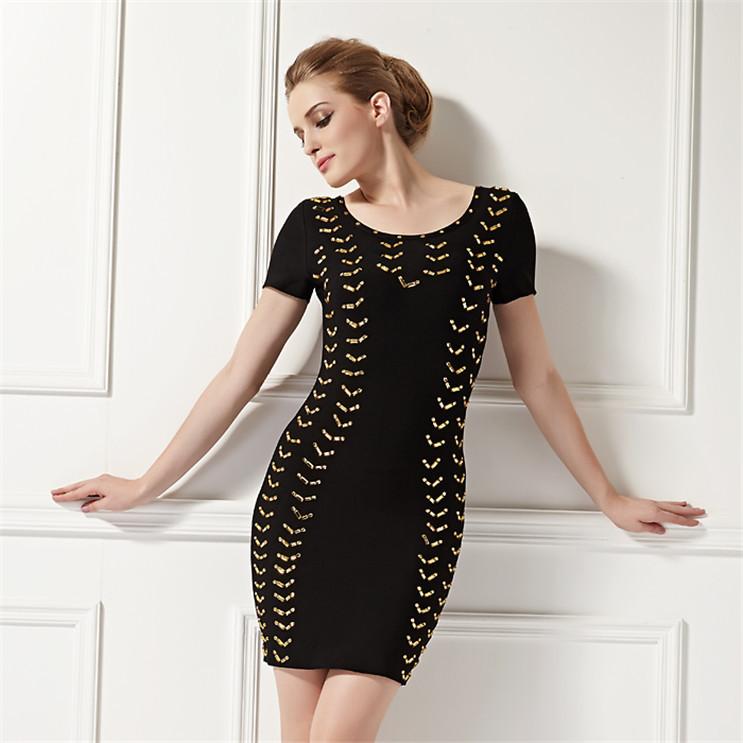 elegantes senhoras de uma peça vestido preto para a festa