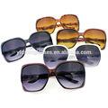 una tienda de dólar para gafas de sol nuevo tema 9407