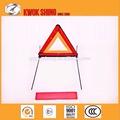 Emergência triângulo de advertência sinal, iluminado de tráfego aviso bordo