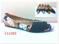 la moda de las señoras del dedo del pie sharp zapatos planos grande con elástico alrededor del dedo del pie