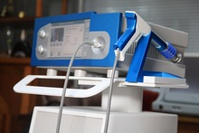 Pneumatic Shock Wave for Painless treatment Easy to operate