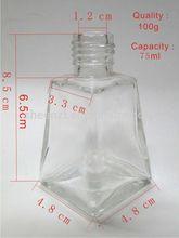 botella de vidrio con el patrón de grabado para la buena calidad y precio competitivo