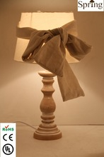 2014 Modern Design Wooden Roman Pole Bedside Table lamp with Bow Tie Fabric shade for Home Decoration