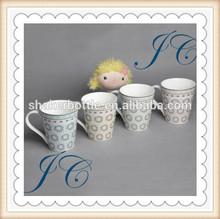 2014 Popular white color designed with dots printing ceramic Coffee mugs&ceramic mugs
