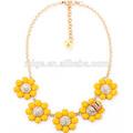 أقحوان أصفر اللون الحلو زهرة الماس مكرامية حجاب قلادة قلادةقصيرة n2136 النحل