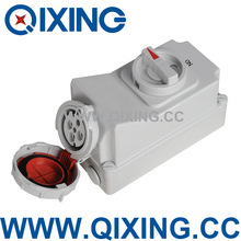 QIXING IP67 400V 32A 4-Pin Mechanical Interlock and Electrical Interlock switch
