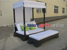 PE wicker / Rattan Sun Bed Chaise Lounger With Seat Cushion
