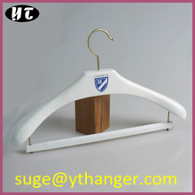 WSL570 wooden hanger blue logo suits hanger velvet bar