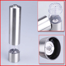 Electric pepper grinder mechanism for grinding peppercorn