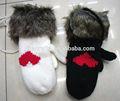 felpa maglia guanti con disegno a cuore