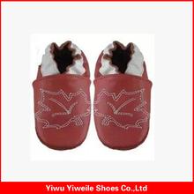 yiwu shoes factory wholesale baby leather wheels instant shoes shine sponge