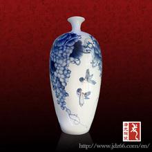 magnífico azul y blanco de cerámica florero de aves en buena forma