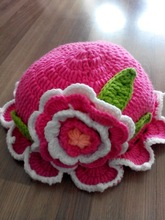 handmade red crochet kids hats, knit child caps,kids hats with applique