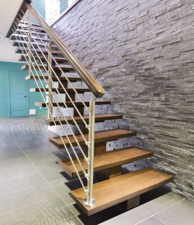 House design cable balustrade wood steps ladder view for Balustrade en bois interieur