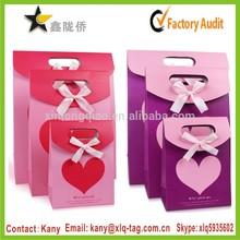 2015 lowest price make decorative paper bag&red heart design pink paper bag