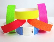 2014 Hot Sale Different Colors and Fashion Tyvek Wristband
