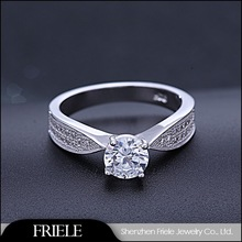 2014 Fashionable China Factory Price 925 Silver CZ Ring