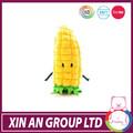 Presente relativo à promoção lindo brinquedo de pelúcia milho
