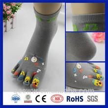 High Quality Fashion customized mid calf socks with toe