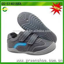 Barato del deporte zapatos del muchacho zapatos para caminar