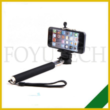 Monopod connects to trip mount on camera monopod for note 3