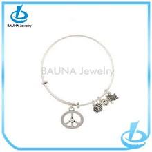Hot sale high quality america heart flags circle pendant teen boy bracelet