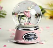 High-grade Ballet girl resin wedding favor water globes with music