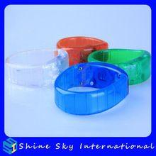New Style Best Selling Pub Led Flashing Bracelets Manufacturer