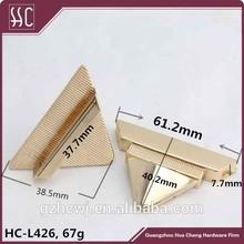 Tri-angle metal turn lock for handbag, gold metal twist handbag lock, Guangzhou fashion lock for bag accessory