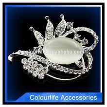 wholesale fashion gorgeous custom rhinestone brooch for girl