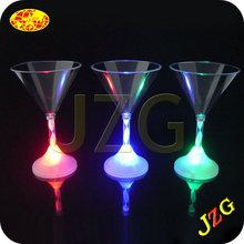 Blue led flashing martini glasses shenzhen factory cheap wholesale LED flashing plastic martini drinking glasses