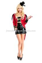 Disfraz de halloween, sexy cosplay, sexy traje de circo con vestido de cuero y pelo largo abrigo de la cola